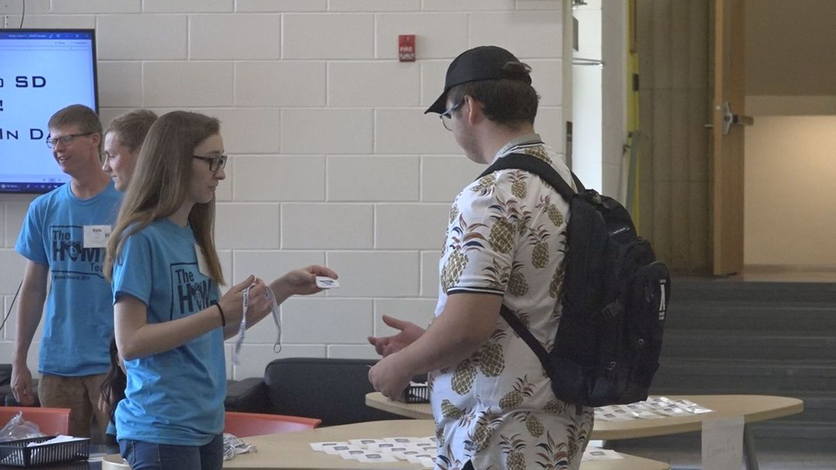 Residential Assistants are helping new students move in as they take on their new journey.