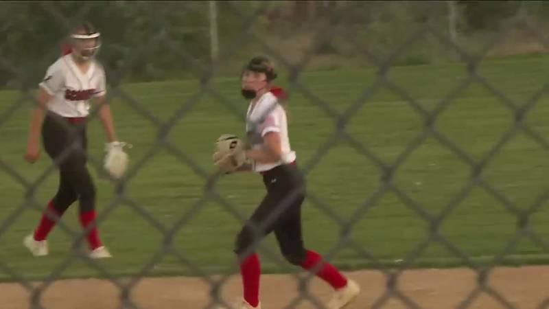 Softball teams wrap up regular season