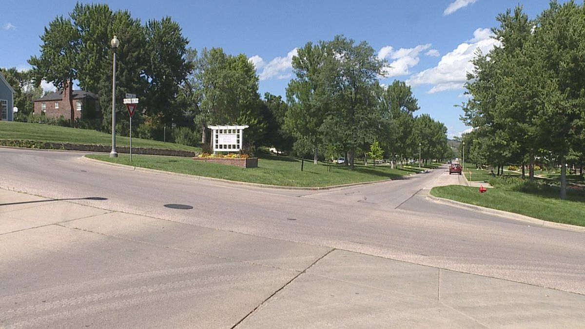 Crews to lay down new asphalt service on West Boulevard and 9th Street.