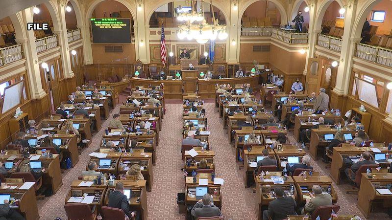 A top shot of the South Dakota legislators in Pierre.