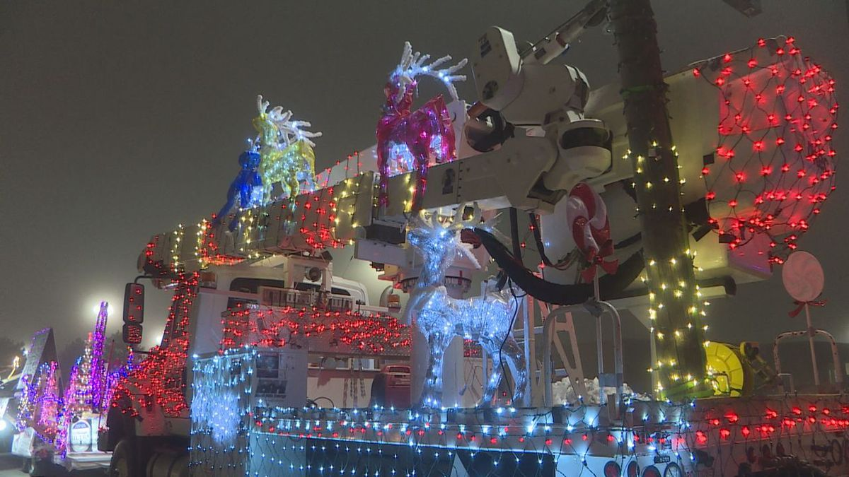 The energy company went all out for their Grinch themed float.