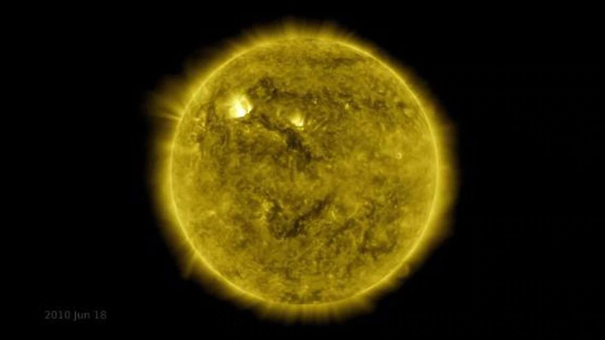 One of over 425 million high-resolution images of the sun taken by NASA'S Solar Dynamics Observatory.(Source: NASA Solar Dynamics Observatory; CNN)