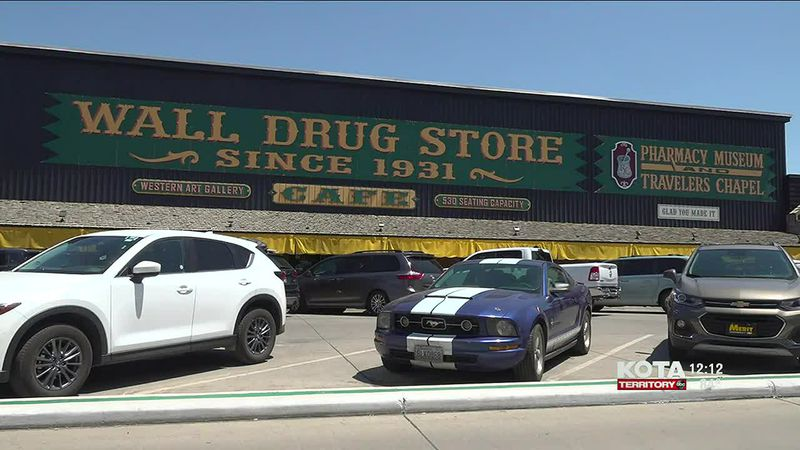 Gov. Noem commends Wall Drug Store for record sales
