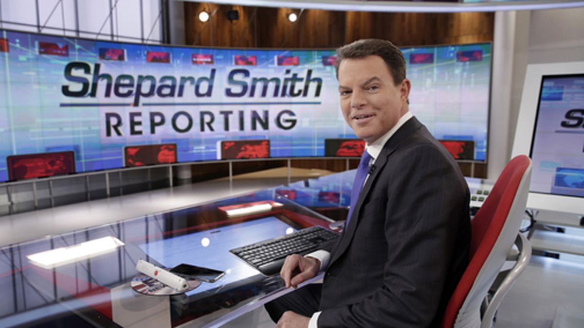 """This Jan. 30, 2017 file photo shows Fox News Channel chief news anchor Shepard Smith on The Fox News Deck before his """"Shepard Smith Reporting"""" program, in New York. (AP Photo/Richard Drew, File)"""