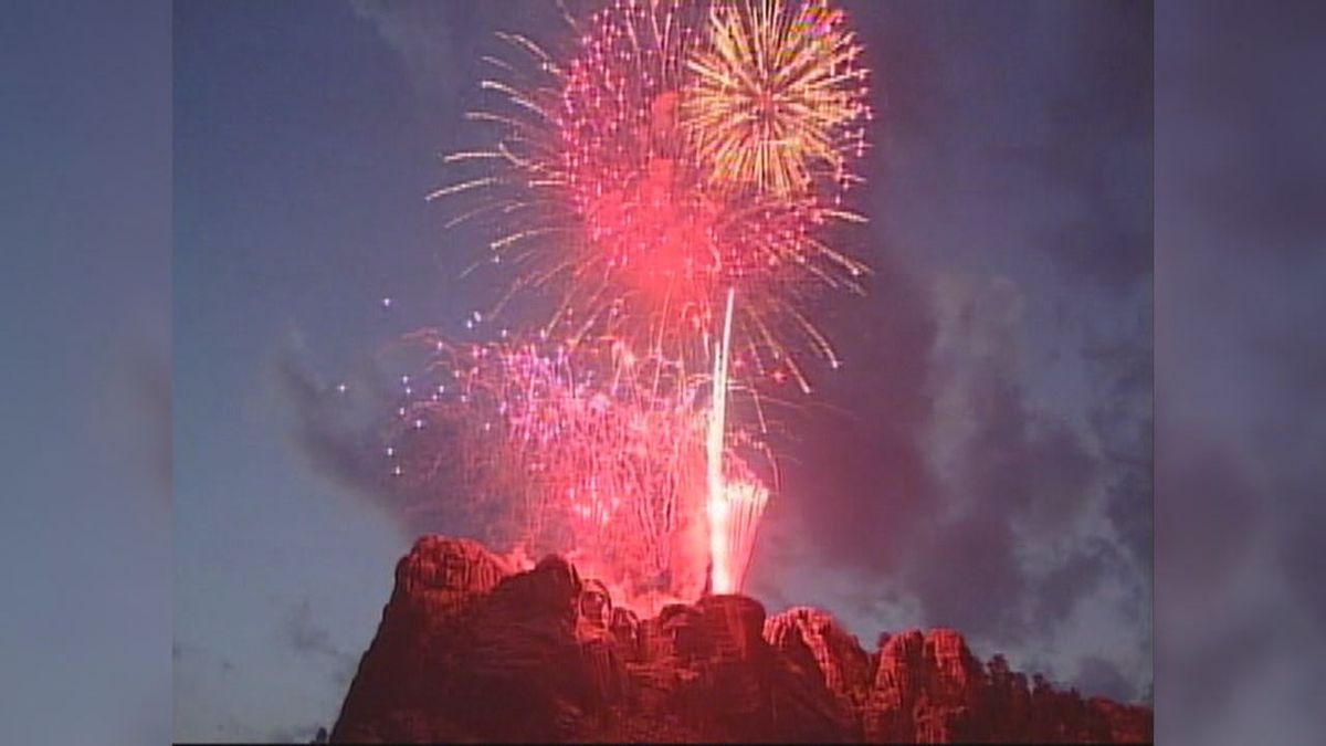 Fireworks over Mt. Rushmore (KOTA TV)